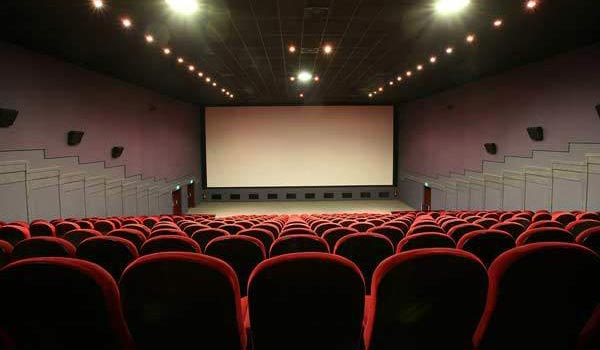 Support-Movie-Theatres-hasgtag-become-trend