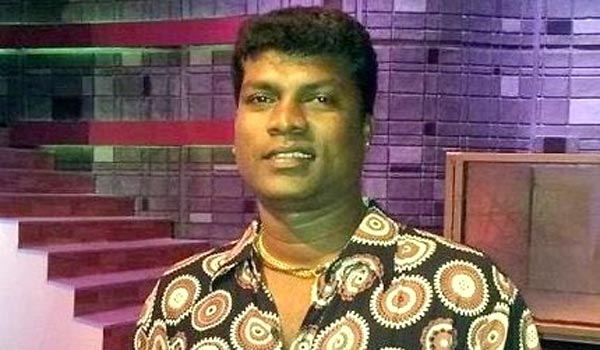 Fans,-celebrities-says-pay-last-respect-to-Vadivel-balaji