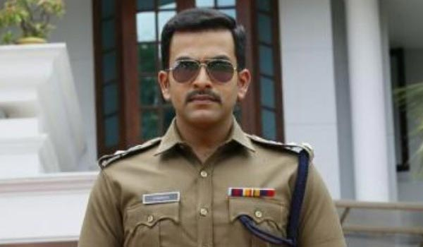 Prithviraj-again-acting-as-police-officer