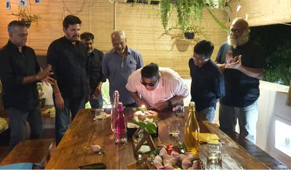 Mysskin-celebrated-his-birthday-with-top-directors