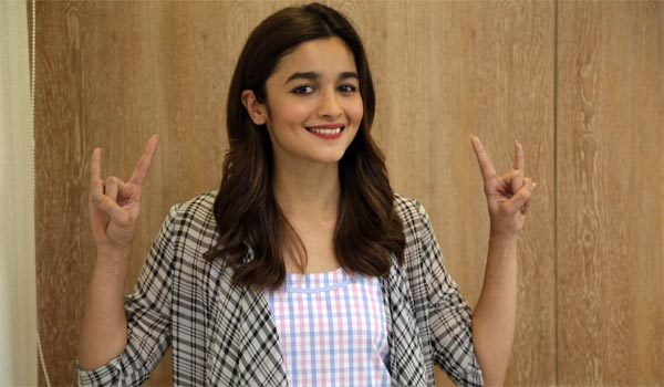 Alia-coming-to-RRR-movie-shooting