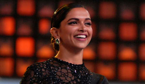 Drugs---Deepika-is-admin-for-whatsapp-group