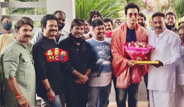 Prakashrajs-Hearty-welcome-to-Sonu-sood