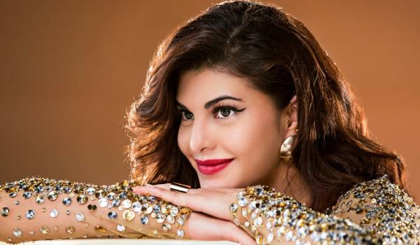 jacqueline-fernandez-gifted-a-car-for-her-assistant
