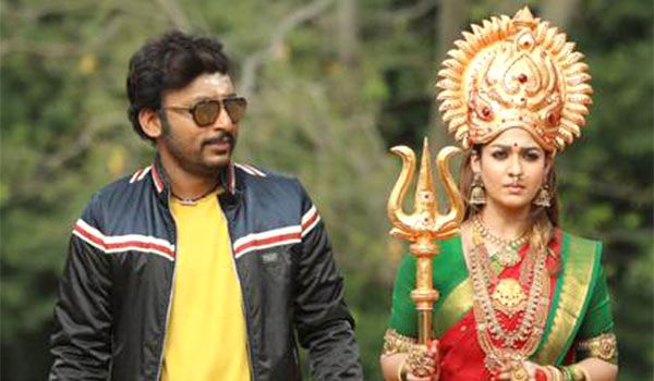 Mookuthi-Amman-climax-shoot-with-7500-people