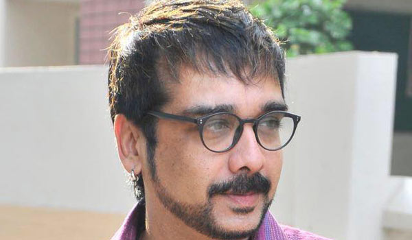 Actor-Vineeth-complaint-against-foregery-in-his-name