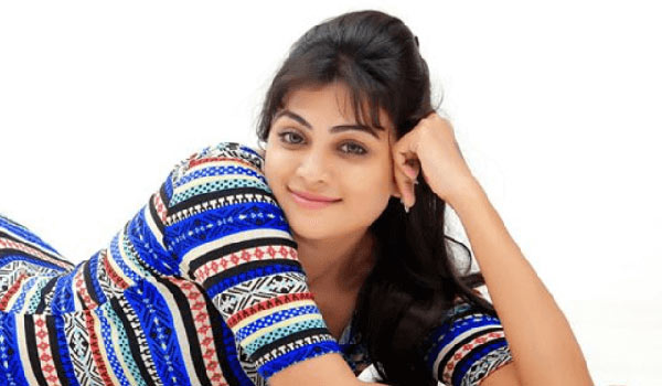 Actress-Asha-parthalom-quit-from-cinema-in-one-movie