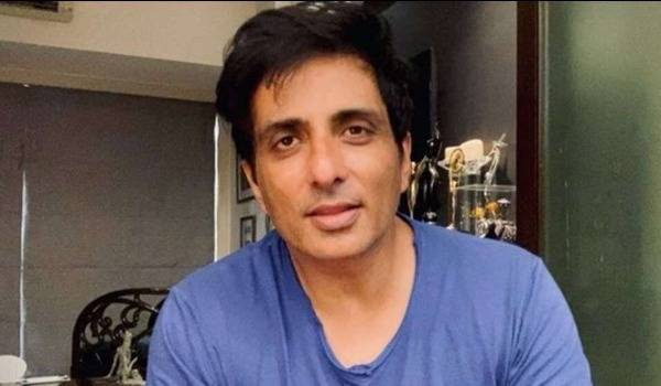 Sonu-Sood-airlifts-his-fan-who-was-cycling-from-Bihar-to-Mumbai