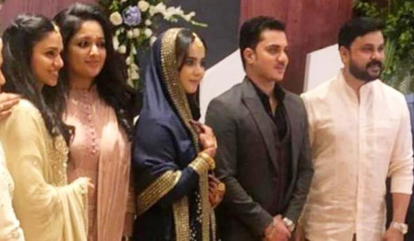 Dileep-attend-nathirsha-daughter-engagement-with-family