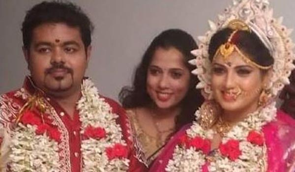 Viswasam-actress-Papri-ghosh-married-suddenly
