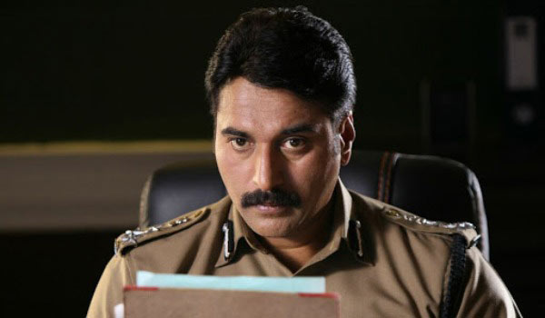 Actor-Rahman-acting-in-police-role