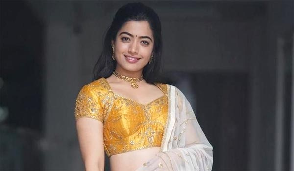 Bollywood-director-giving-trainning-to-Rashmika-for-acting