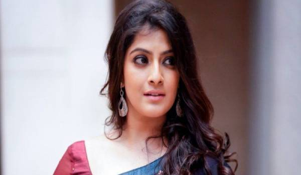 varalakshmi-make-full-stop-for-chitthi-2-rumours