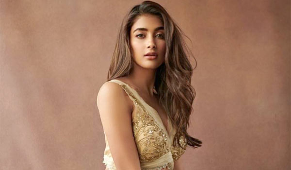 Pooja-Hegde-to-act-in-Vijay-65