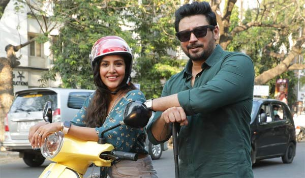 Priya-Anand-officially-joints-in-Andhagan-movie