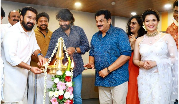 director-changed-in-the-movie-which-was-make-to-collecting-donation-for-AMMA