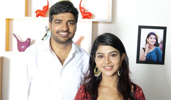 Cukcoo-with-comali-fame-pavithra-turn-as-heroine