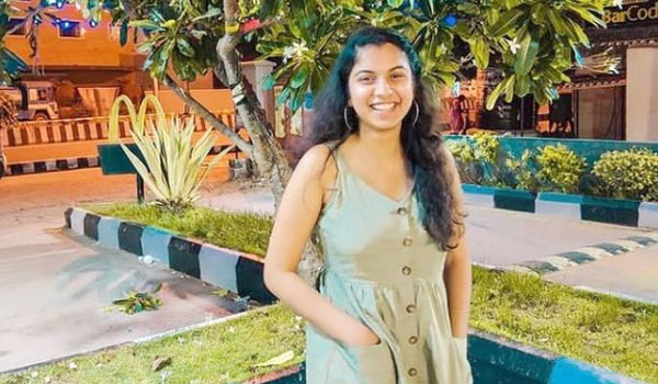 I-am-not-interested-in-acting-says-Roja-daughter