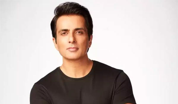 Sonu-sood-got-40-thousand-calls-need-for-help