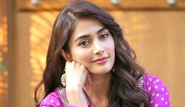 Pooja-Hegde-in-Different-role