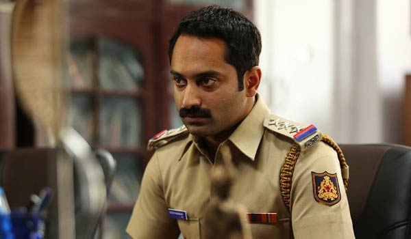 Fahad-Fazil-acting-as-negative-police-officer