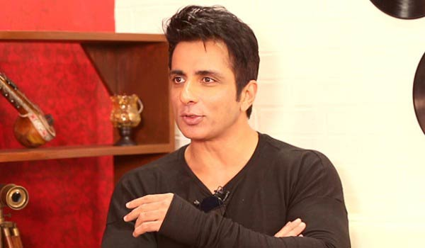 Sonu-sood-questioned-to-Doctors