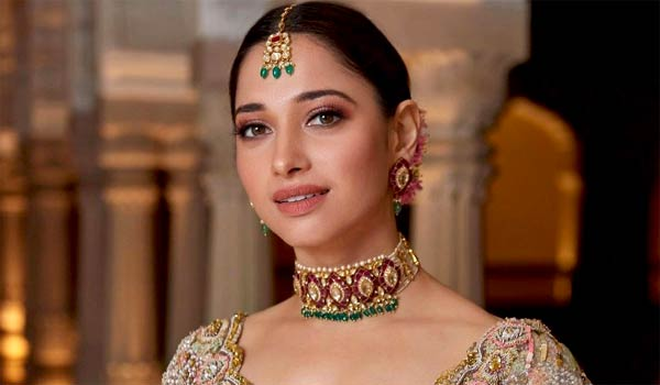 Tamanna-replied-about-dubbing