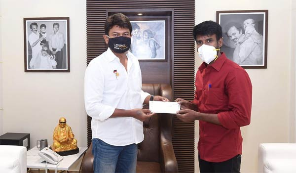 Actor-Soori-donated-Rs.10.25-lakhs-for-corona-relief-fund