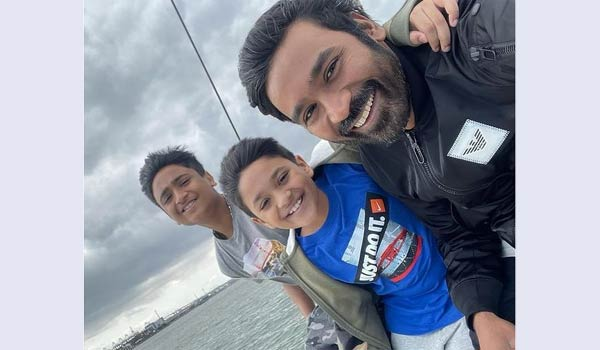 Dhanush-celebrated-Fathers-Day