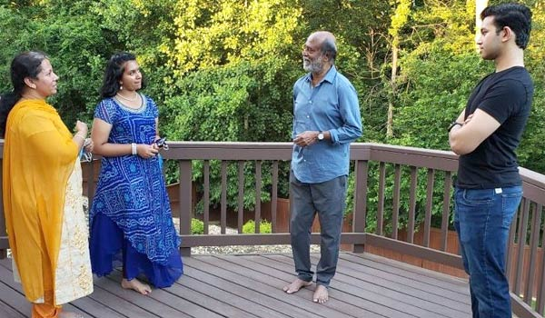 Rajini-spending-time-with-friends-in-US