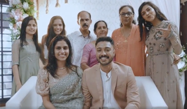 Amalapaul-brother-got-married